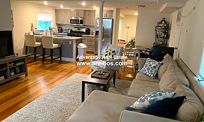 Living Room, 260 Salem St, 1