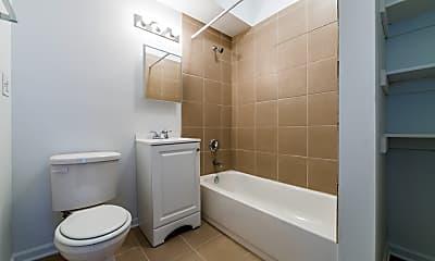 Bathroom, 5749 W Chicago, 2
