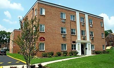 Building, 9 E Deer Park Dr, 0
