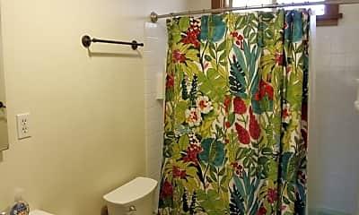 Bathroom, 2894 Sioux Ave, 2