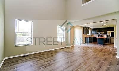 Living Room, 1305 Onslow Dr, 1