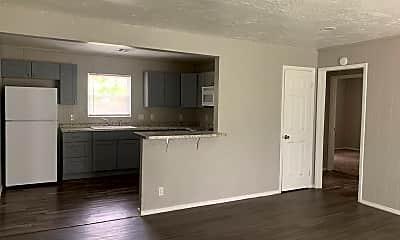 Living Room, 3804 Woodside Dr, 1