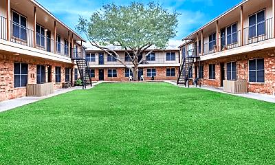 Building, Oaks at Mustang, 1