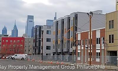 Building, 810 N Burns St, 1