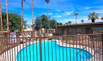 Pool, 68460 Kings Road, 1