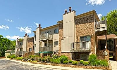 Building, Pinetree Apartments, 0
