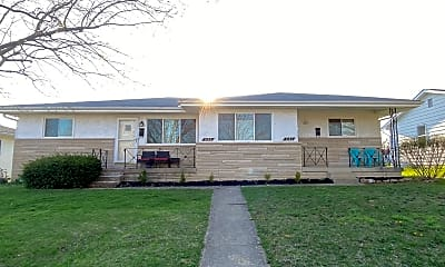 Building, 1133 Mccarley Dr W, 2