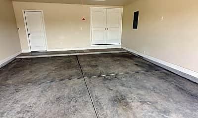 Living Room, 922 Yancy St, 2