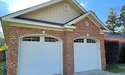 Building, 852 Wildwood Ave, 1