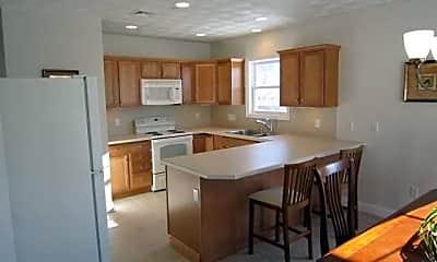 Kitchen, Kirkbrae Glen Apartments, 1