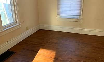 Living Room, 821 Wellington St, 1