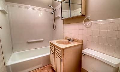 Bathroom, 1807 Sangamon Dr, 2