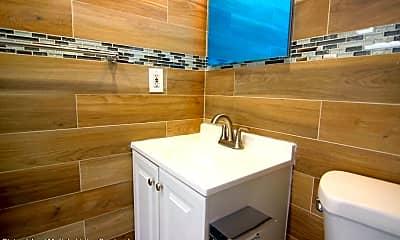 Bathroom, 2522 W 16th St 2B, 2