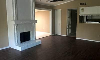 Living Room, 5108 Palo Alto Dr, 1