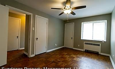 Bedroom, 2217 Victory Pkwy, 2