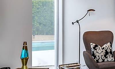 Living Room, 688 E Spencer Dr, 2