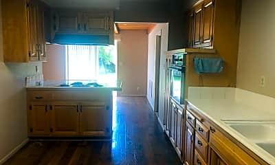 Kitchen, 1518 S 11th St, 1