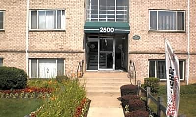 Queens Park Plaza Apartments, 1