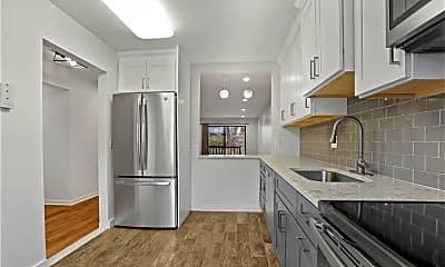 Kitchen, 16 Bouton St E 8, 1