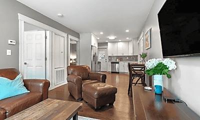 Living Room, 182 W 9th St, 1