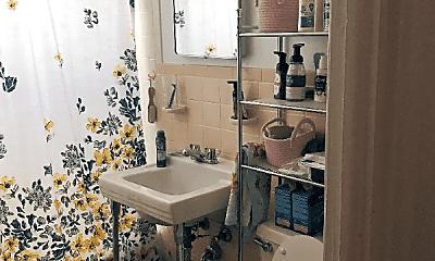 Bathroom, 15031 Madison Ave, 2