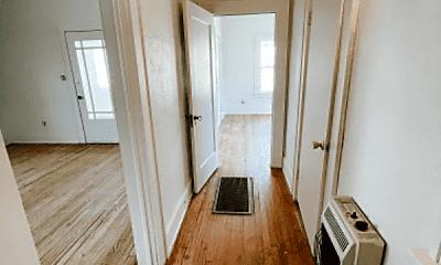 Living Room, 1005 W Washington Ave, 2