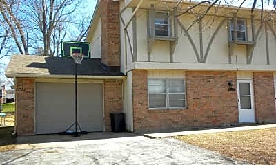 Building, 4821 Prairie Cir, 1