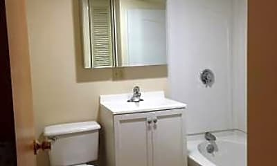 Bathroom, 176 Presidents Ln, 1