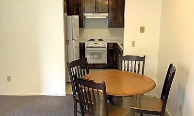 Dining Room, 258 California Blvd, 2
