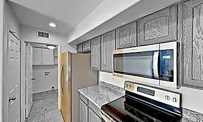 Kitchen, 2804 W El Campo Grande Avenue, 1