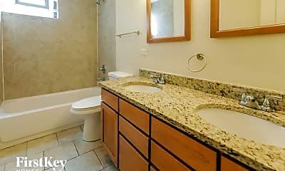 Bathroom, 1001 Manor Dr, 2