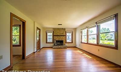 Living Room, 2701 E Pine St, 1