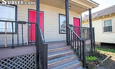 Patio / Deck, 2220 N Broad St, 1