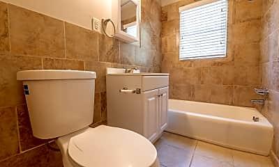 Bathroom, 617 Bernice St, 2