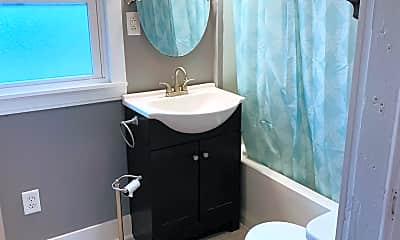 Bathroom, 217 N 3rd St, 1
