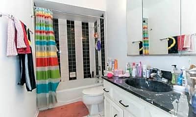 Bathroom, 1330 N LaSalle Dr, 2
