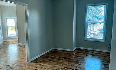 Bedroom, 4157 W Eddy St, 1