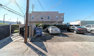 Building, 9124 S Broadway, 2