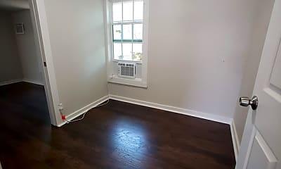Living Room, 1529 N Walters St 2, 1