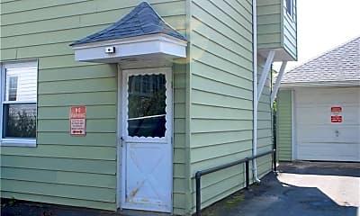 Patio / Deck, 233 Center St 2WEST, 1