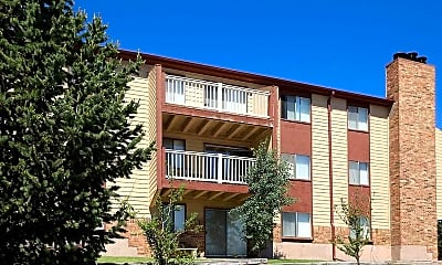 Candlewood Apartments, 1