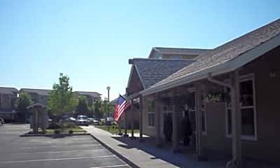 Crestview Commons, 1