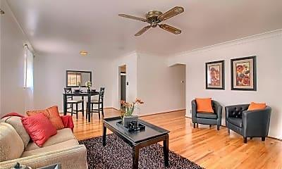 Living Room, 2200 Newark St, 0
