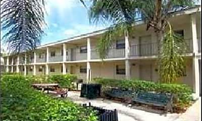 Sandanay Apartments, 2