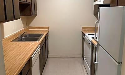Kitchen, Pine Hollow Apartments, 0
