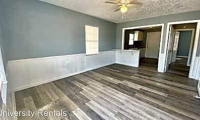 Living Room, 806 N Detroit Ave, 2