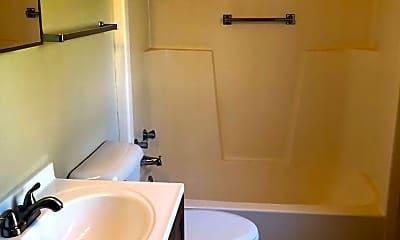 Bathroom, 2032 August St, 2