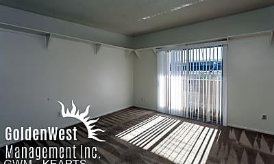 Living Room, 815 E Maryland Ave, 1