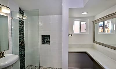 Bathroom, 664 S Coast Hwy A, 2
