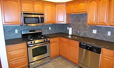 Kitchen, Hawthorne 44, 2
